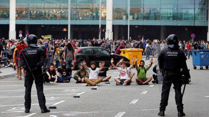 Deze 'democratische tsunami' kon een hele luchthaven plat leggen, met inspiratie uit Hongkong: wie zit er achter Tsunami Democràtic?