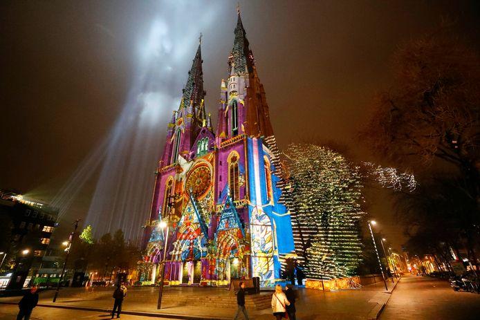 De Catharinakerk in Eindhoven tijdens Glow.