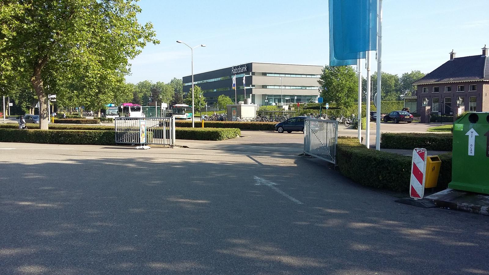 De uitgang van de AH in Druten op de Scharenburg