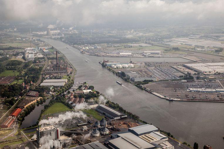De Gentse haven zal vrijdag nagenoeg plat gaan door de stakingen