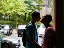 Homoseksuele jongens in Twente hebben het zwaarder dan lesbiennes