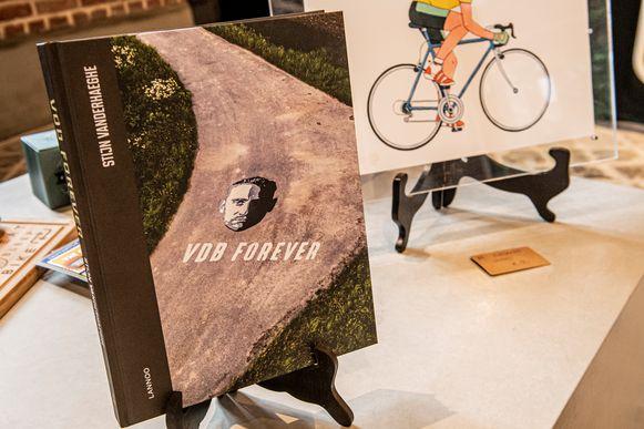 De cover van het boek VDB Forever.