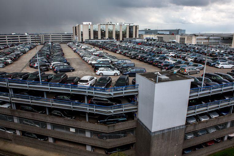 Op de parkings op Brussels Airport zal 30 minuten gratis geparkeerd kunnen worden door bestuurders die passagiers afzetten of ophalen.