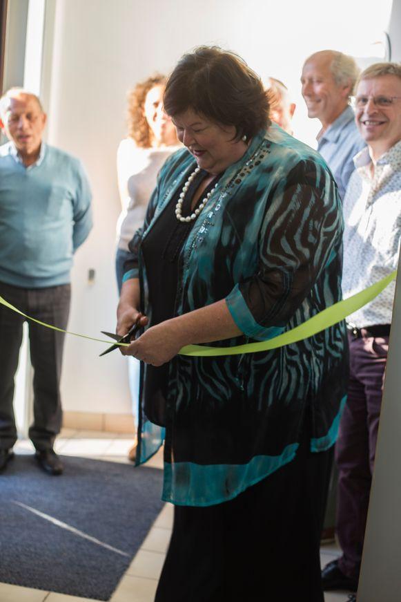 Minister van Sociale Zaken Maggie De Block tekende present om het lintje door te knippen.