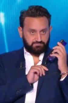 """""""C'est le Pakistanais"""", Cyril Hanouna appelle Marine Le Pen en plein direct"""