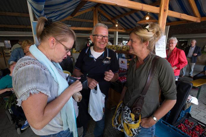 Boer Geert tijdens de eerste editie van Tv-boer is troef.