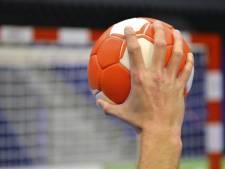 Titelaspiraties handbalsters HC Zeeland kunnen voorlopig in de ijskast