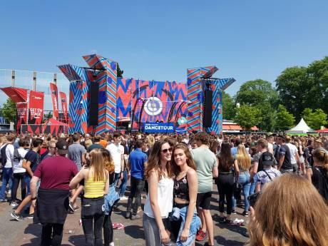 Zonovergoten Dancetour in Breda: 15.000 bezoekers overspoelen Chasséveld