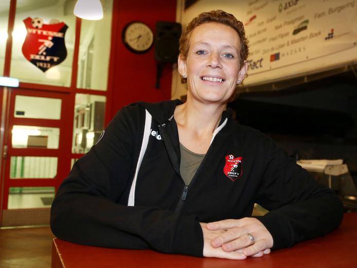 Elise van den Berg kwam bij Vitesse Delft toen haar dochter ging voetballen.