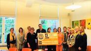 Club Soroptimist Beersel is gul voor vzw Zonnestraal: cheque van 3.000 euro voor zorgorganisatie