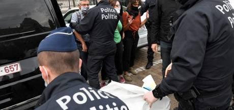 Une activiste de XR dénonce la brutalité de son interpellation