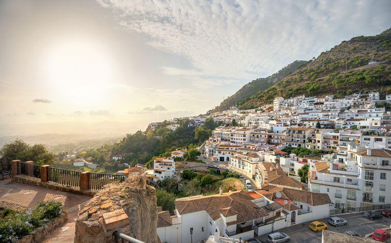 De man (44) woonde in Mijas, bij toeristen bekend om zijn witte huisjes en prachtig zicht op de Costa de Sol.