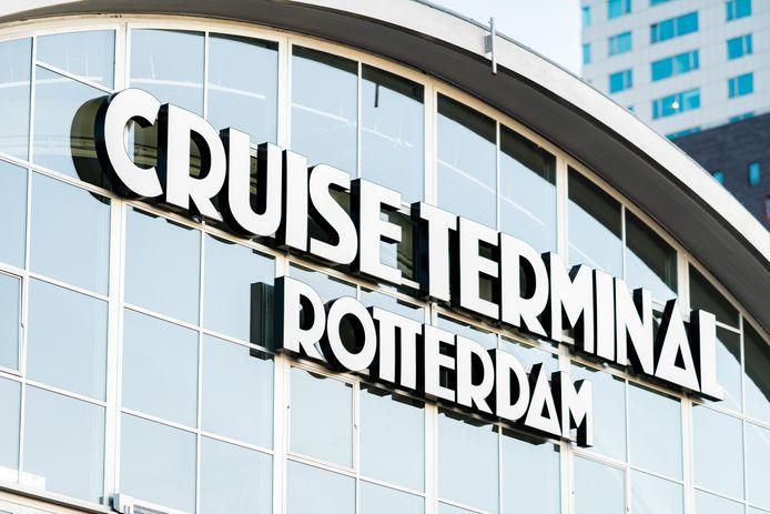 De Cruise Terminal Rotterdam. 'De aankomstplek voor internationale bezoekers'.
