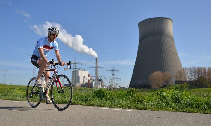 Regioverslaggever Sjoerd Marcelissen fietst in zijn vrije tijd graag. In het buitenland, maar net zo lief ook zoor het gebied waarover hij schrijft.
