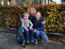 Een kleine donatie voor de rolstoelbus maakt voor Tim (6) een wereld van verschil