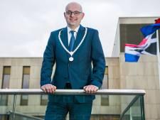 Burgemeester Vroom onder vuur na Facebookpost over Baudet