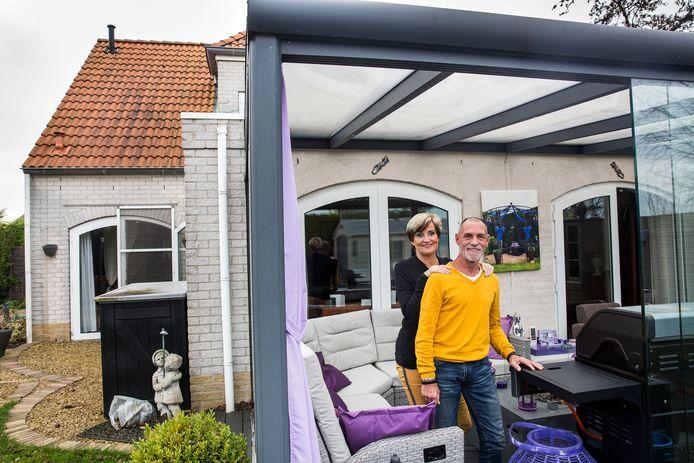 Hans en Marianne van Asch wonen al twintig jaar tot volle tevredenheid op vakantiepark Citta Romana bij Hellevoetsluis.