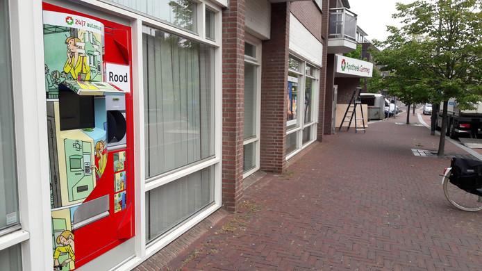 De rode medicomaat van Apotheek Gennep.
