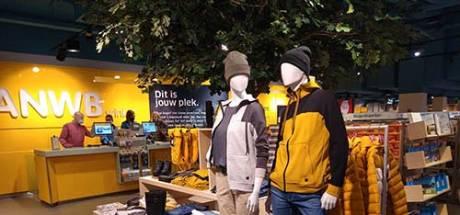 ANWB opent grootste winkel van 580 vierkante meter in Den Haag