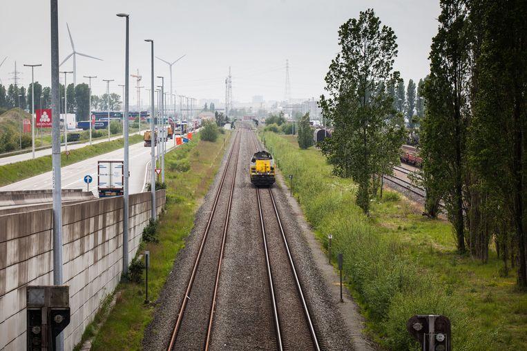 Joke Schauvliege gelooft in personenvervoer op spoorlijn 204.
