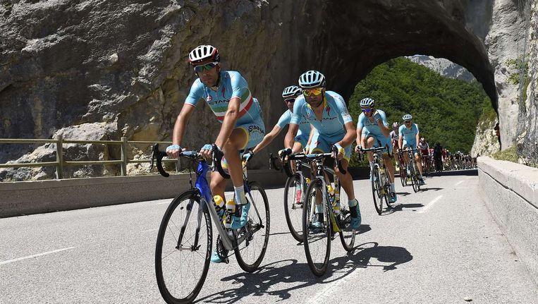 Nibali op kop van de Astana-trein Beeld afp