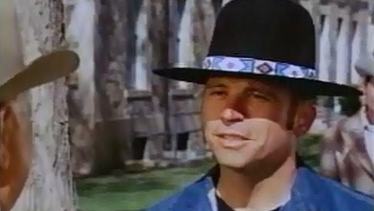 Tom Laughlin in een scène uit Billy Jack. Beeld YouTube