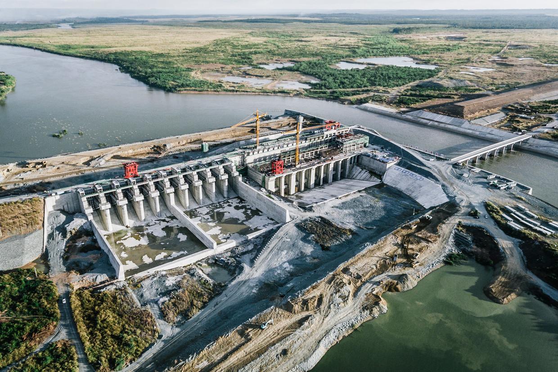 De Lower Sesan 2-dam in Cambodja. De Sesan-rivier is een zijtak van de Mekong, aanleg van de dam zal ook impact hebben op het leefgebied van de vissen in die rivier.  Beeld LightRocket via Getty Images