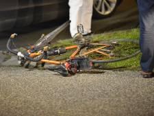 Fietser gewond bij aanrijding met auto die uit uitrit rijdt in Breda