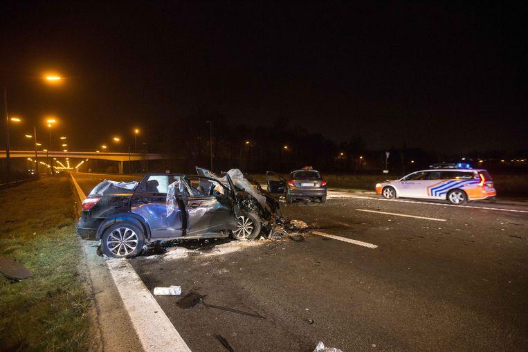 De bestuurster van de Peugeot, de vermoedelijke spookrijder, overleed ter plekke.
