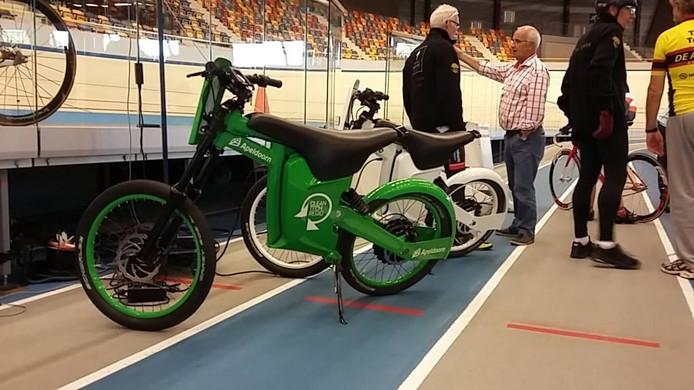 De twee nieuwe elektrische derny's. Foto Matthijs Oppenhuizen