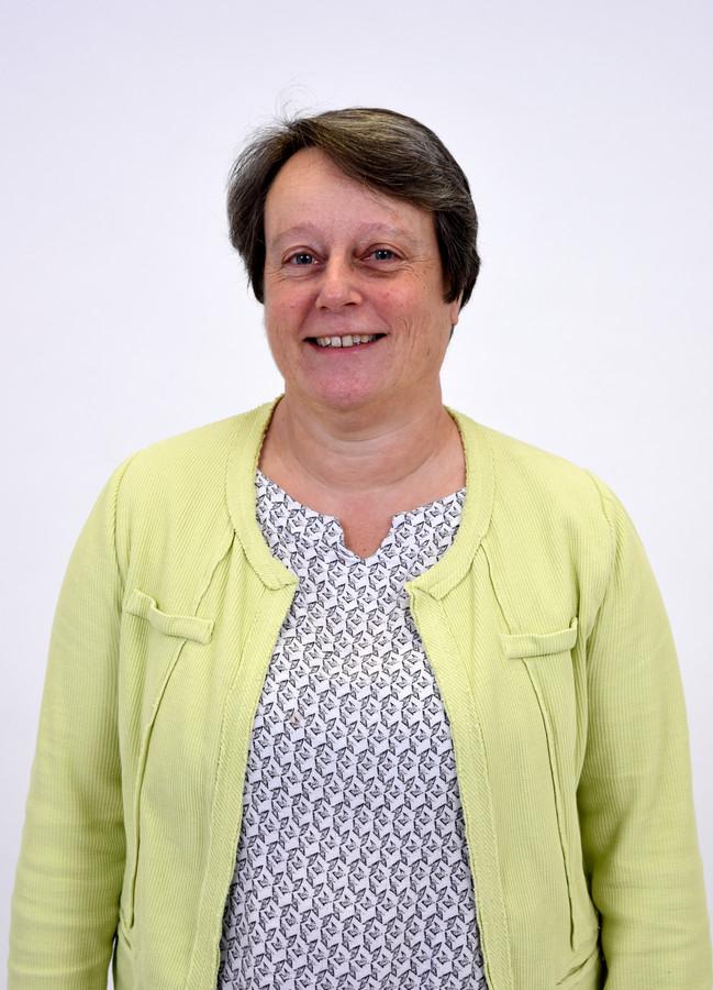 """Caroline Diepeveen, PvdA: ,,Het actieplan begint met bezuinigen en zegt daarna pas dat mensen ook de zorg moeten krijgen die ze nodig hebben. Wij draaien het om: het moet beginnen bij de zorg."""""""