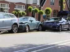 Dominocrash in Soest: Zwitser ramt geparkeerde auto's