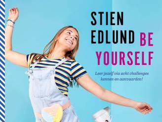"""Influencer Stien Edlund schrijft een boek over jezelf durven zijn: """"Je komt het verst in het leven door jezelf te blijven"""""""