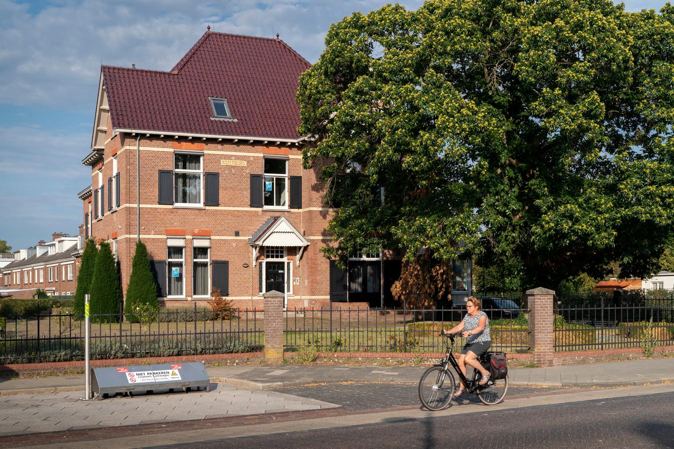 In Villa Rozenburg in Schijndel komt een zorgvilla voor senioren. En eind dit jaar zijn Sint en zijn pieten hier te zien.