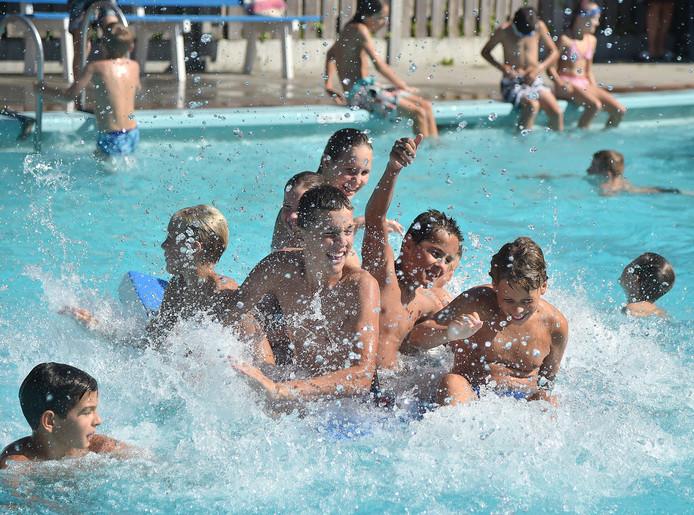 Zwembad De Goudvijver in Serooskerke.