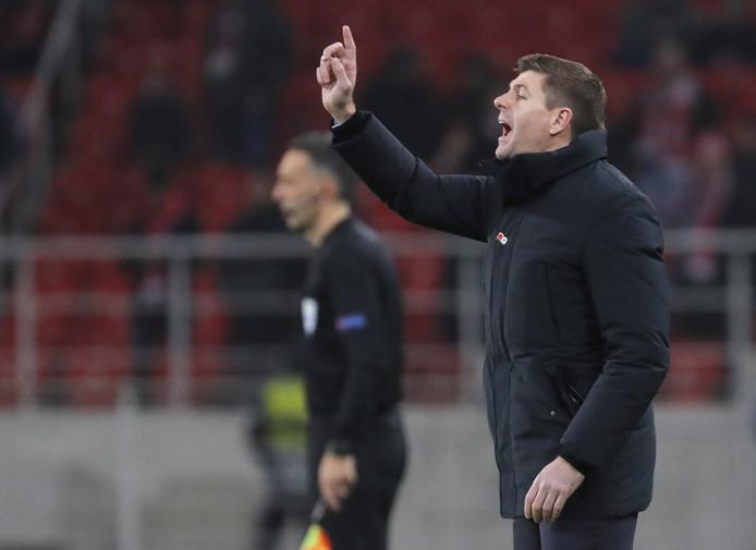Rangers-coach Steven Gerrard zag zijn ploeg met 4-3 onderuit gaan bij Spartak Moskou.