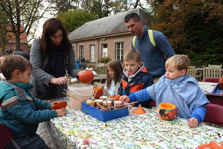 Kinderen Halloween.Kinderen Vieren Nu Al Halloween In Plantentuin Meise In