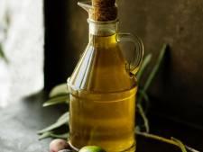 Jamie Oliver gebruikt olijfolie als bodymilk, maar moeten we dit advies opvolgen?