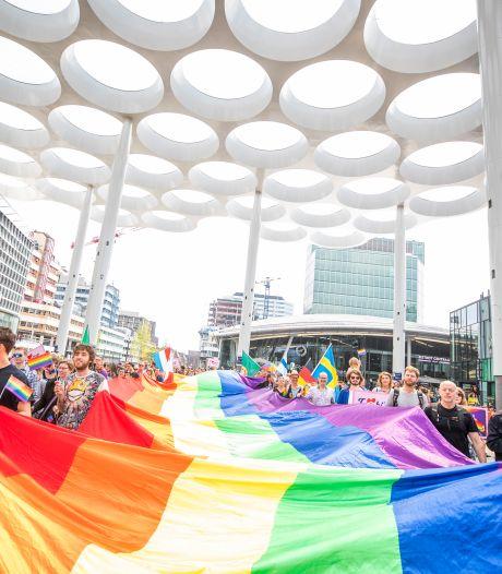 Utrecht viert vandaag de liefde in alle kleuren van de regenboog tijdens Walk of Love