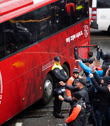 Ajax wil nog steeds met fans naar De Kuip