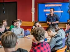Jelmer leert wereld een lesje: onderwijs kan zóveel beter
