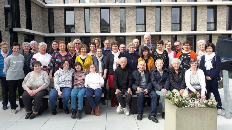 Woonzorgcentrum Open Link zette zijn vrijwilligers in de bloemetjes.