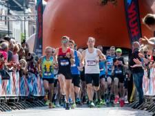 Frisse Niels Theloosen verrast zichzelf met overwinning Posbankloop