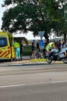 Wielrenner gewond na botsing met auto in Ede