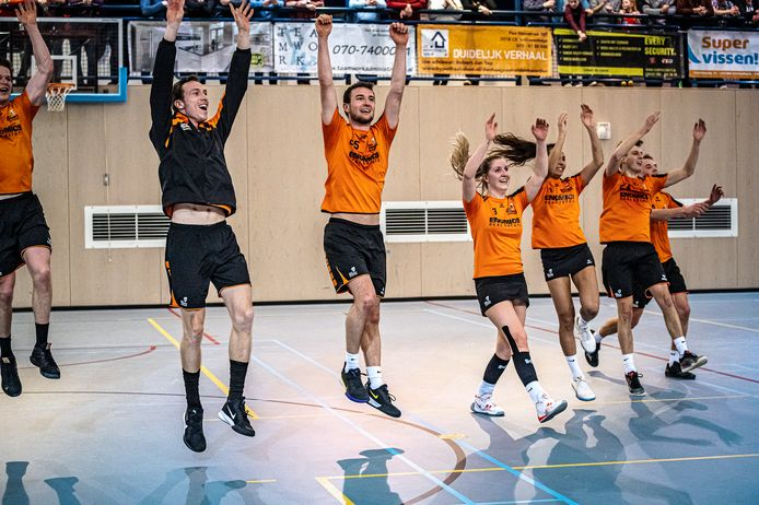 Het Gorcumse GKV/Enomics blijft op onderling resultaat het Scheveningse KVS voor als nummer één van de overgangsklasse D en is daardoor dus kampioen.