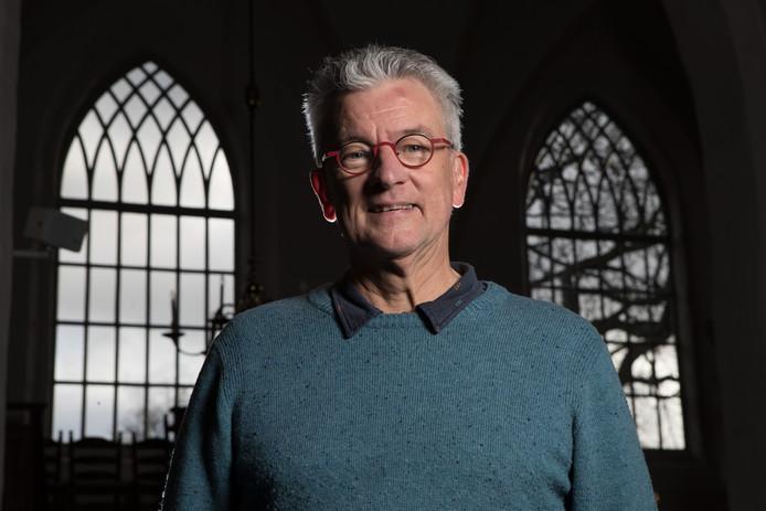 Joop van der Wal, voorzitter van de Stichting Vrienden Nicolaaskerk Wijhe is verrukt door de akoestiek in het gebouw. ,,Als je je niet op een normale manier verstaanbaar kunt maken, ga je hier niet komen.''