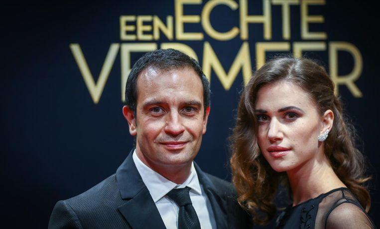 Jeroen Spitzenberger en Lize Feryn op de rode loper tijdens de première van de film Een echte Vermeer, 24 september. Beeld null