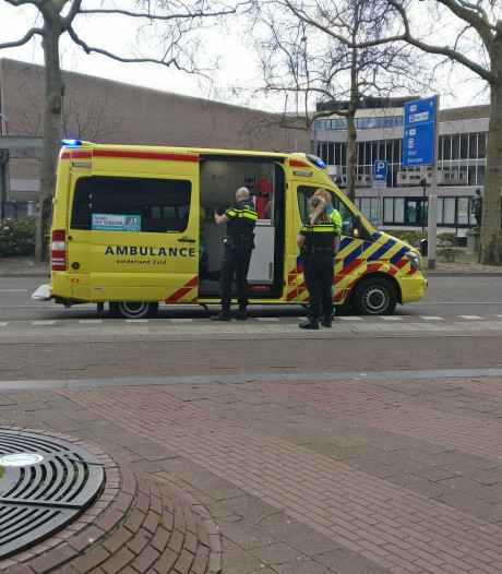 Man gewond bij steekpartij op Keizer Karelplein: verdachte op de vlucht