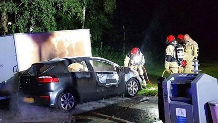 De gehuurde KIA Rio werd uitgebrand aangetroffen in Diemen. Beeld Politie