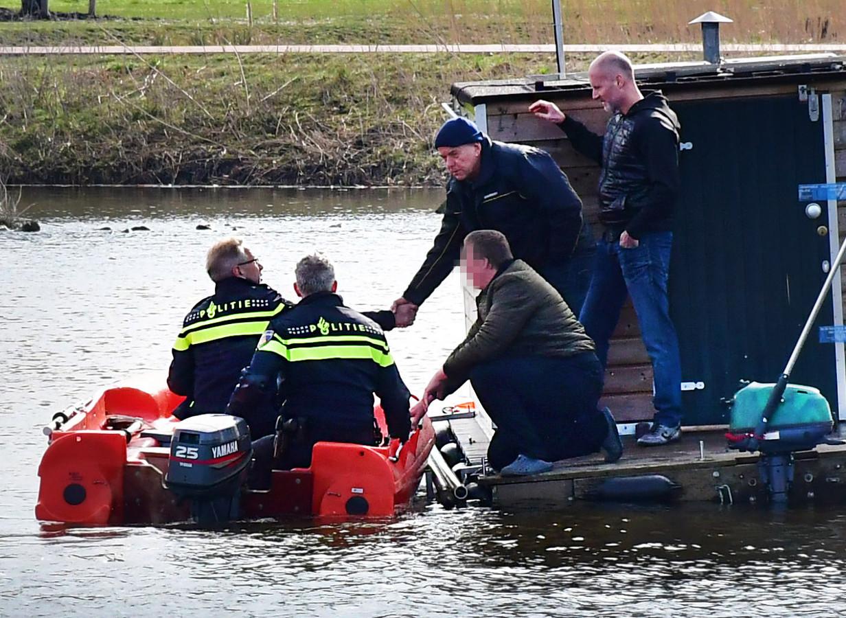 Op woensdag 4 april is de politie bezig met een reconstructie van het overlijden van Orlando Boldewijn. Orlando werd op 27 februari gevonden in het Bottgerwater in de Haagse wijk Ypenburg.